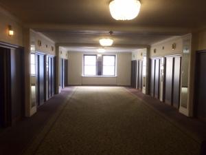 8 main elevators, 1700 rooms(!)
